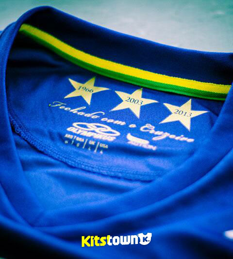 克鲁塞罗2014赛季主客场球衣 © kitstown.com 球衫堂