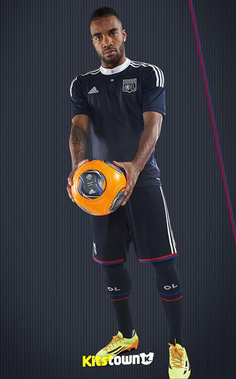 里昂2014-15赛季第二客场球衣 © kitstown.com 球衫堂