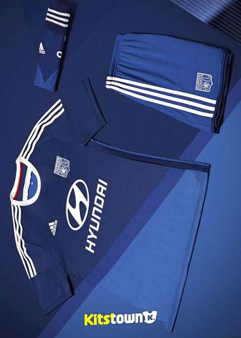 里昂2014-15赛季客场球衣 © kitstown.com 球衫堂