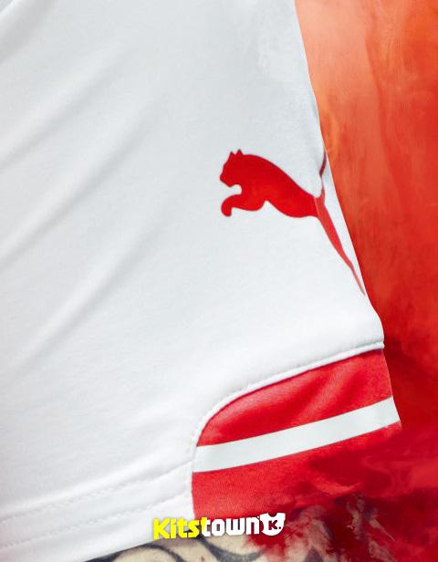 阿森纳2014-15赛季主场球衣 © kitstown.com 球衫堂