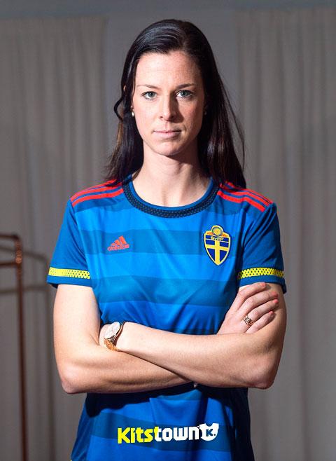 瑞典女足国家队2015世界杯主客场球衣 © kitstown.com 球衫堂