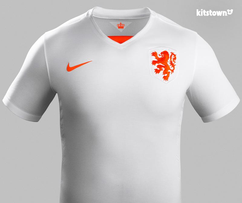 荷兰国家队2015-16赛季客场球衣 © kitstown.com 球衫堂