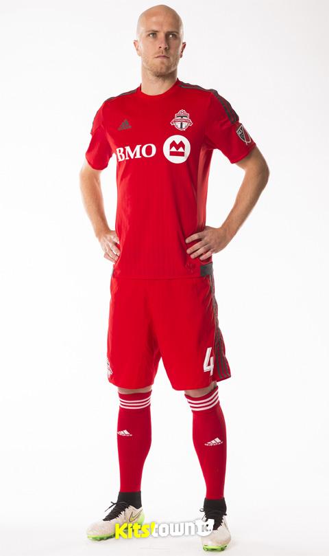 多伦多FC 2015赛季主场球衣 © kitstown.com 球衫堂