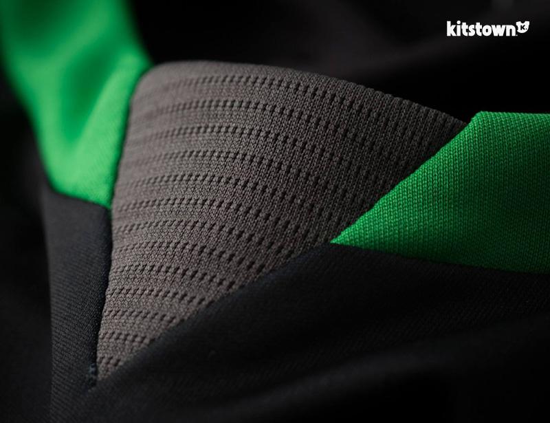 斯托克城2015-16赛季主客场球衣 © kitstown.com 球衫堂