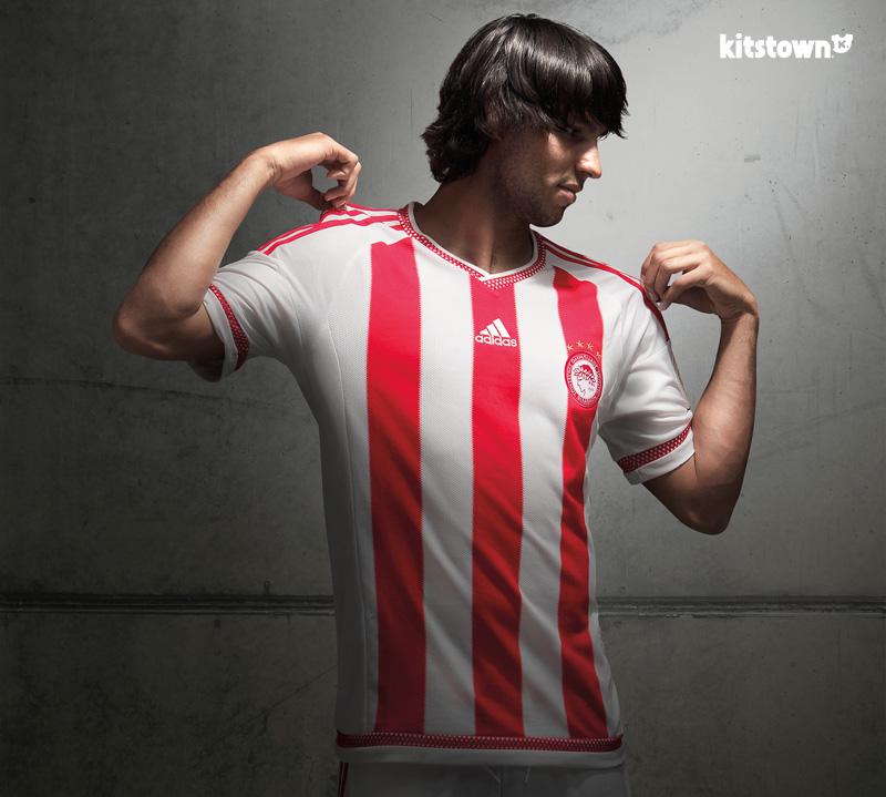 奥林匹亚科斯2015-16赛季主场球衣 © kitstown.com 球衫堂