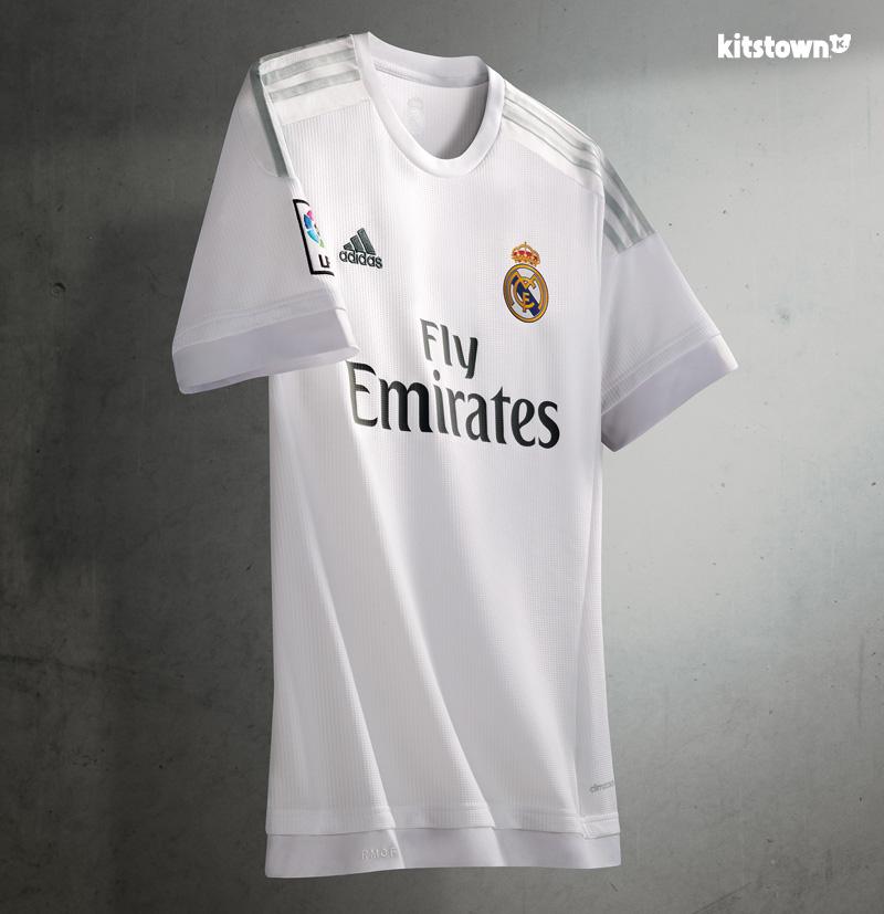 皇家马德里2015-16赛季主客场球衣 © kitstown.com 球衫堂