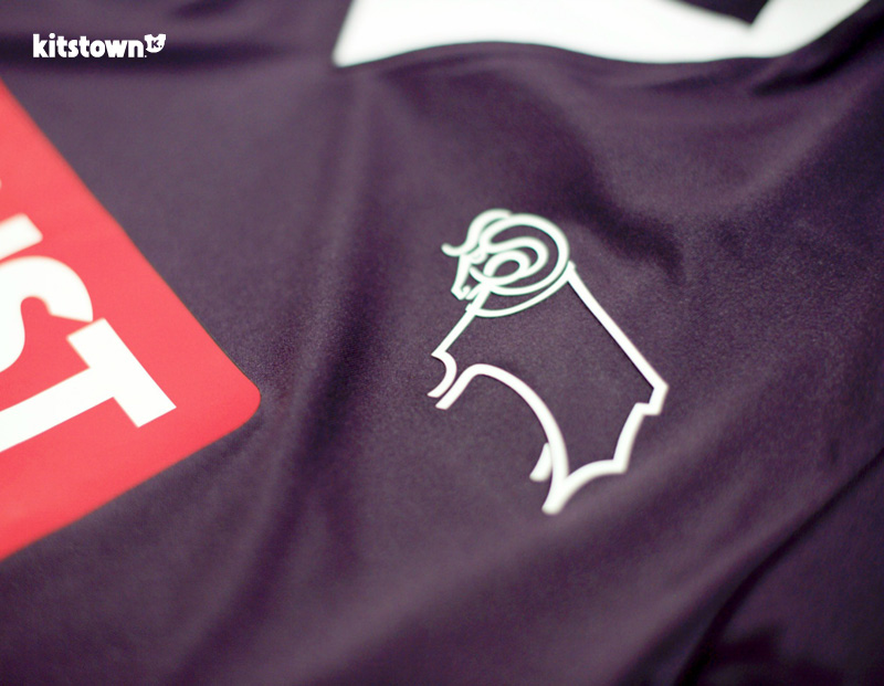 德比郡2015-16赛季客场球衣 © kitstown.com 球衫堂