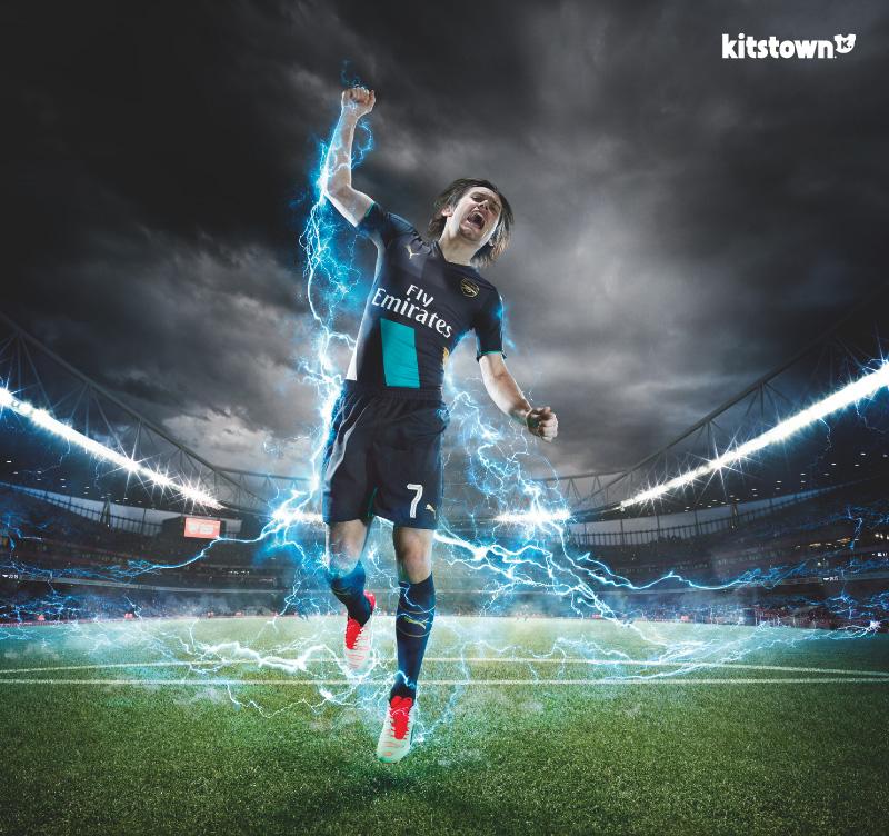 阿森纳2015-16赛季杯赛球衣 © kitstown.com 球衫堂
