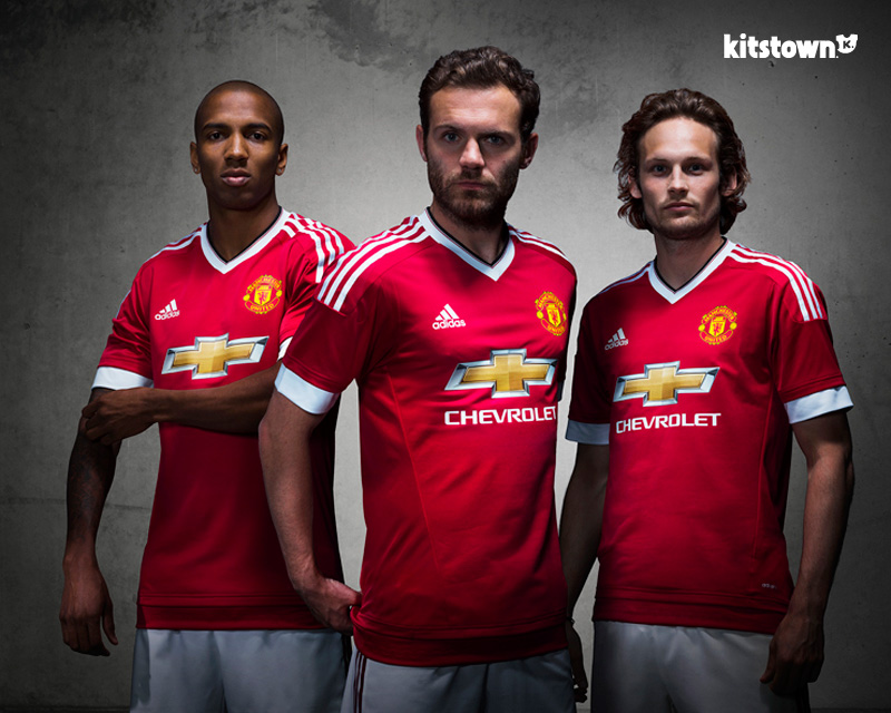 曼彻斯特联2015-16赛季主场球衣 © kitstown.com 球衫堂