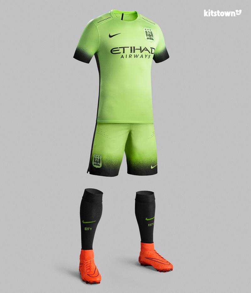 曼彻斯特城2015-16赛季第二客场球衣 © kitstown.com 球衫堂