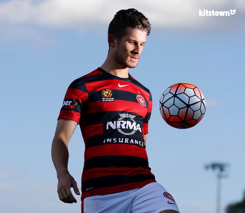 西悉尼流浪者2015-16赛季主客场球衣 © kitstown.com 球衫堂