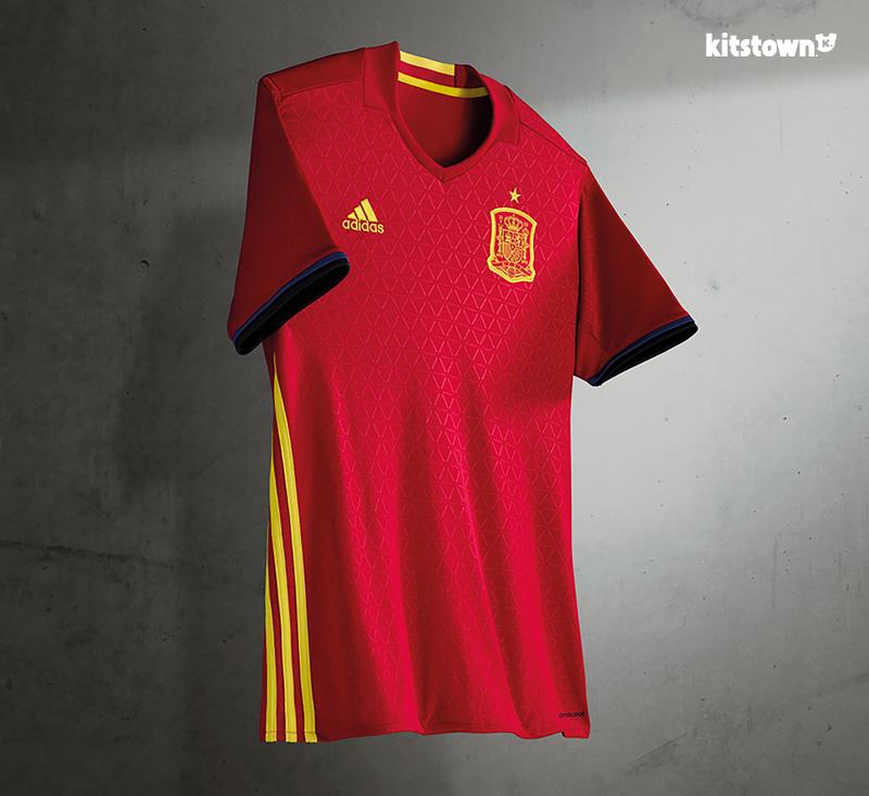西班牙国家队2016欧洲杯主场球衣 © kitstown.com 球衫堂