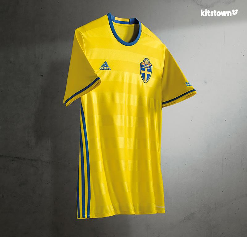 瑞典国家队2016年主场球衣 © kitstown.com 球衫堂