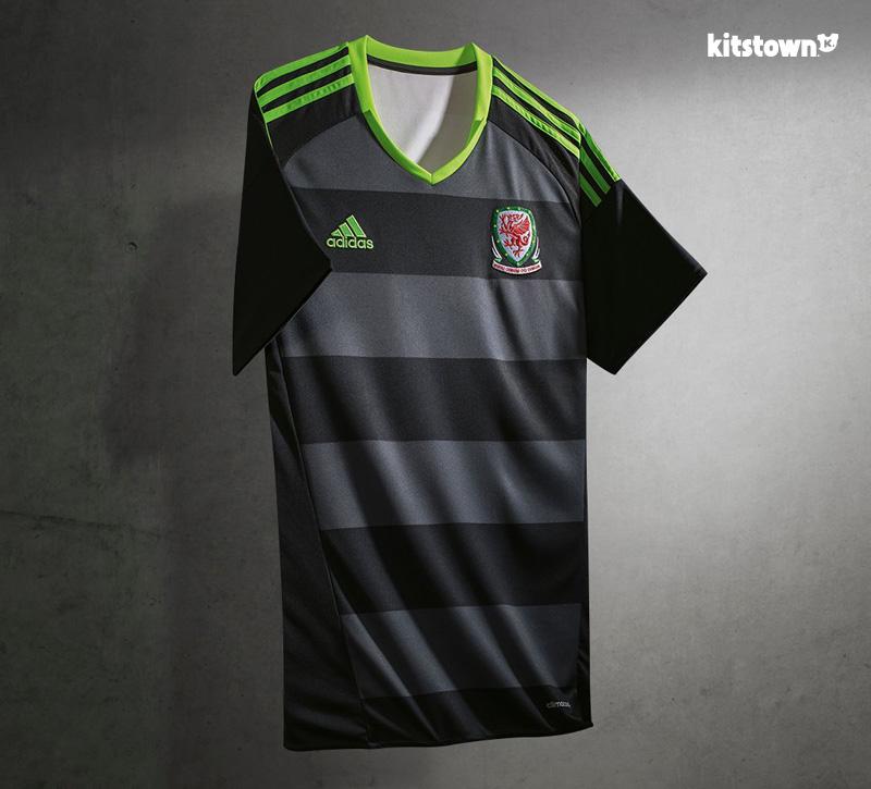 威尔士代表队2016年客场球衣 © kitstown.com 球衫堂