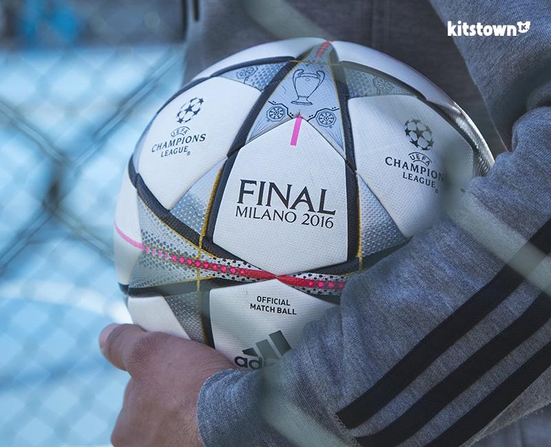 决战米兰—2016欧冠联赛淘汰赛阶段官方比赛用球 © kitstown.com 球衫堂