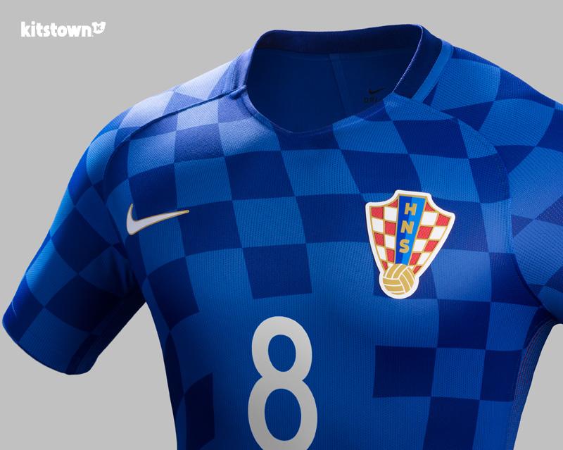 克罗地亚国家队2016欧洲杯主客场球衣 © kitstown.com 球衫堂