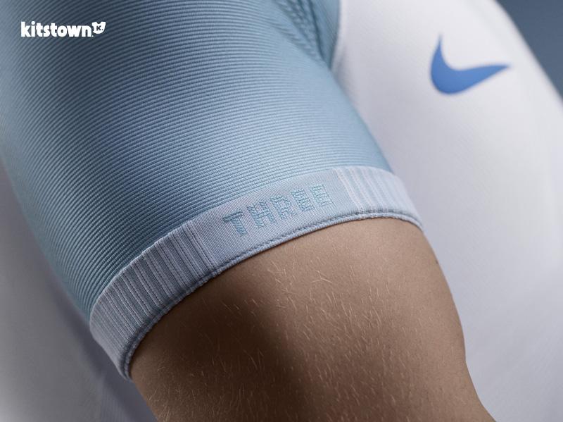 英格兰国家队2016欧洲杯主客场球衣 © kitstown.com 球衫堂
