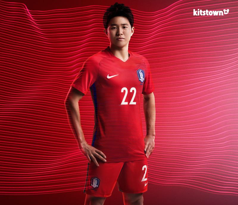 韩国国家队2016-17赛季主客场球衣 © kitstown.com 球衫堂