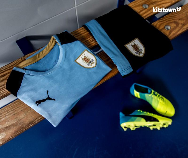 乌拉圭国家队2016赛季主客场球衣 © kitstown.com 球衫堂