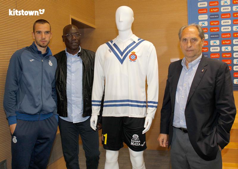 西班牙人纪念里卡多·萨莫拉特别球衣 © kitstown.com 球衫堂