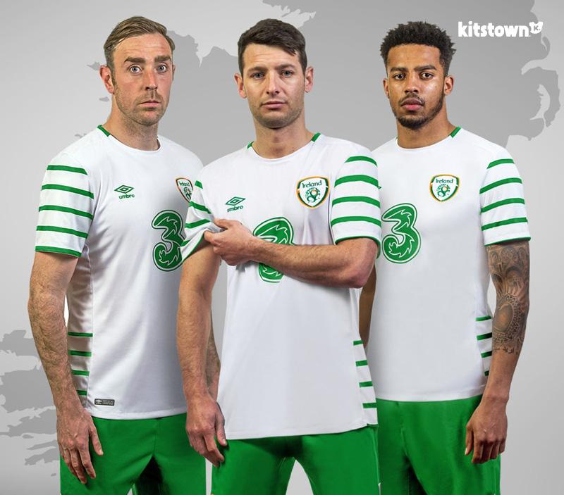 爱尔兰国家队2016欧洲杯客场球衣 © kitstown.com 球衫堂