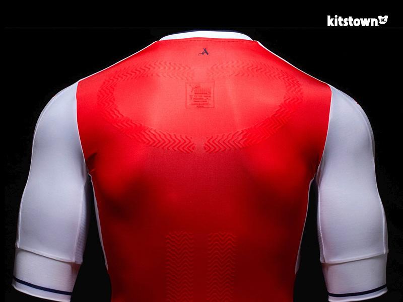 阿森纳2016-17赛季主场球衣 © kitstown.com 球衫堂