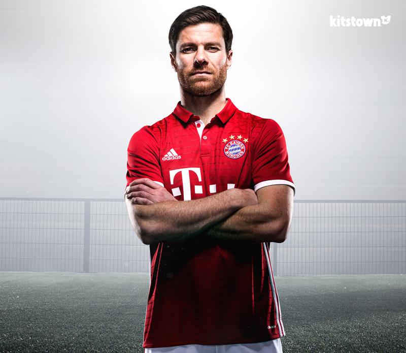 拜仁慕尼黑2016-17赛季主场球衣 © kitstown.com 球衫堂