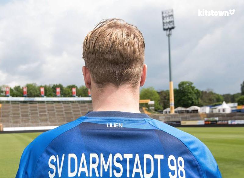 达姆施塔特2016-17赛季主场球衣 © kitstown.com 球衫堂