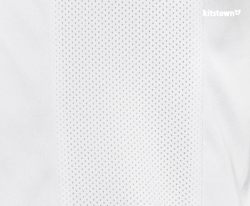 秘鲁国家队2016百年美洲杯主场球衣 © kitstown.com 球衫堂