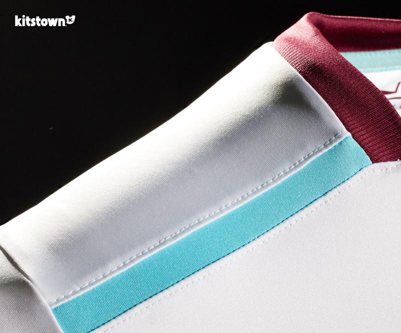 西汉姆联2016-17赛季客场球衣 © kitstown.com 球衫堂