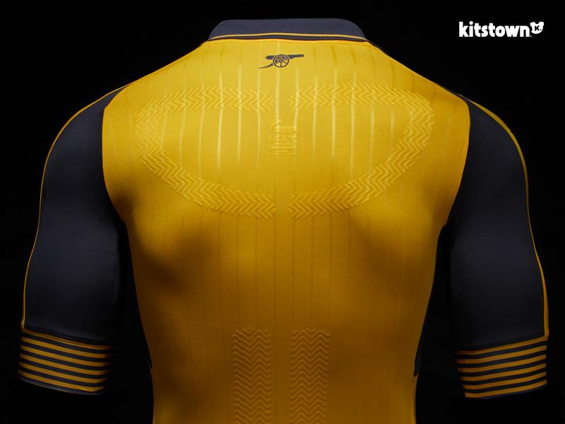阿森纳2016-17赛季客场及第二客场球衣 © kitstown.com 球衫堂