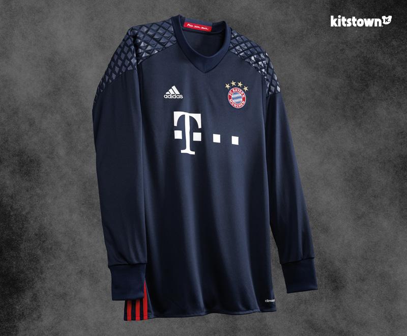 拜仁慕尼黑2016-17赛季客场球衣 © kitstown.com 球衫堂