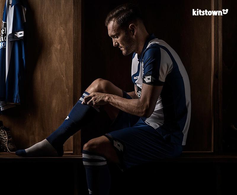 拉科鲁尼亚2016-17赛季主场球衣 © kitstown.com 球衫堂