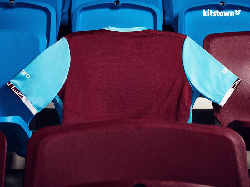 西汉姆联2016-17赛季主场球衣 © kitstown.com 球衫堂