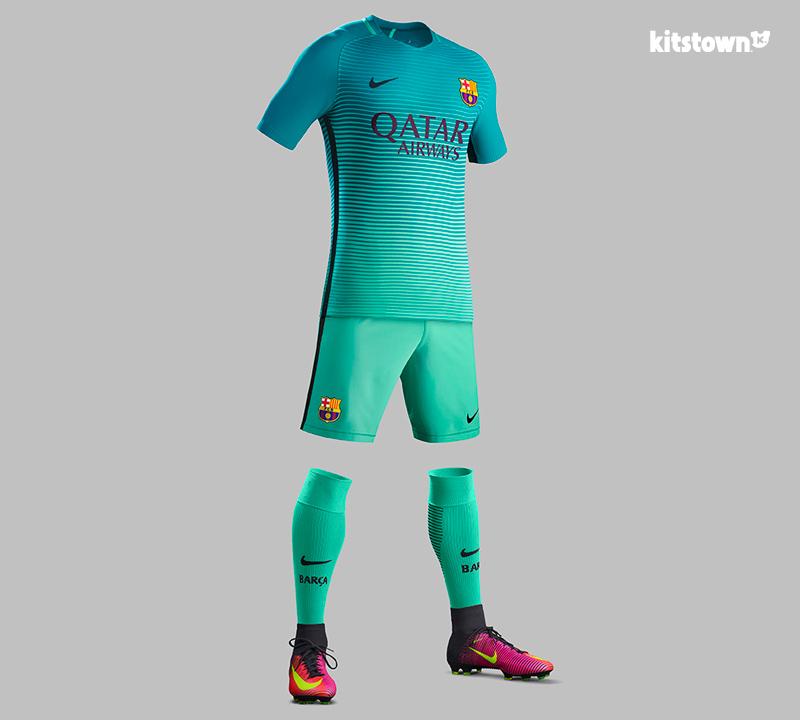 巴塞罗那2016-17赛季第二客场球衣 © kitstown.com 球衫堂