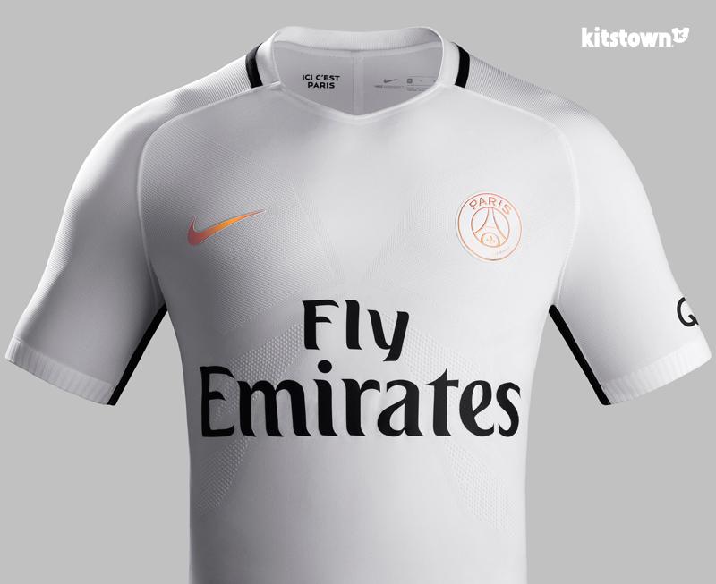 巴黎圣日耳曼2016-17赛季第二客场球衣 © kitstown.com 球衫堂