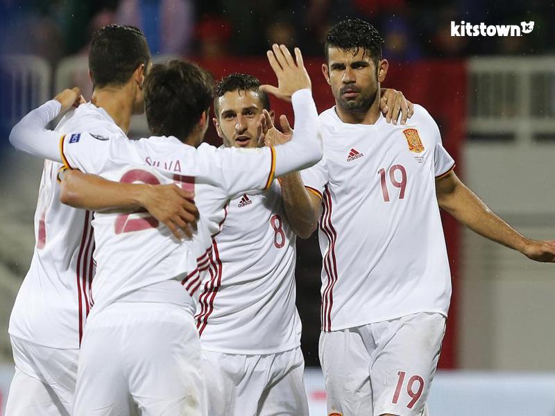 西班牙国家队2016-17赛季客场球衣 © kitstown.com 球衫堂