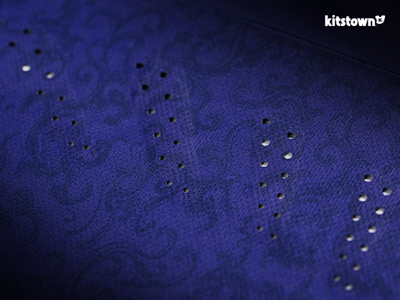 黑龙江火山鸣泉2017赛季主客场球衣 © kitstown.com 球衫堂