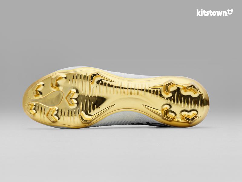 耐克推出限量版Mercurial Superfly CR7 Vitórias战靴庆祝C罗获得金球奖 © kitstown.com 球衫堂