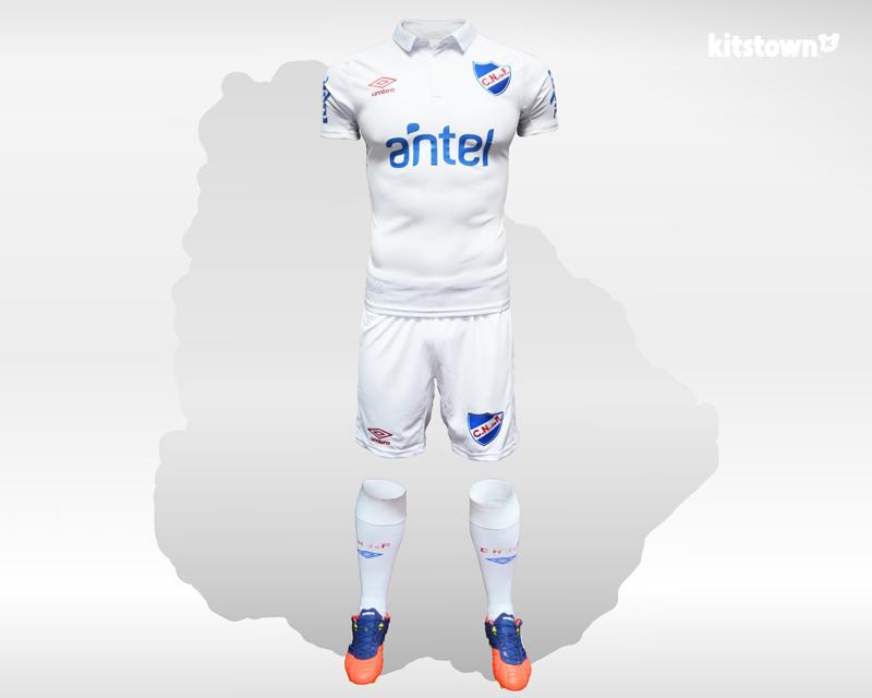 乌拉圭国民2017赛季主场球衣 © kitstown.com 球衫堂