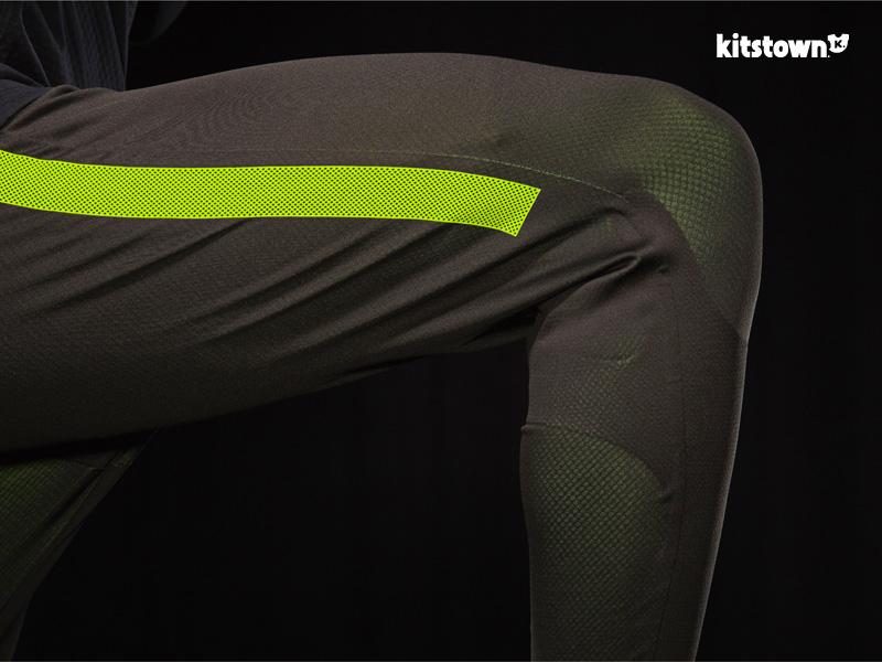 耐克推出NIKE STRIKE足球训练系列 © kitstown.com 球衫堂