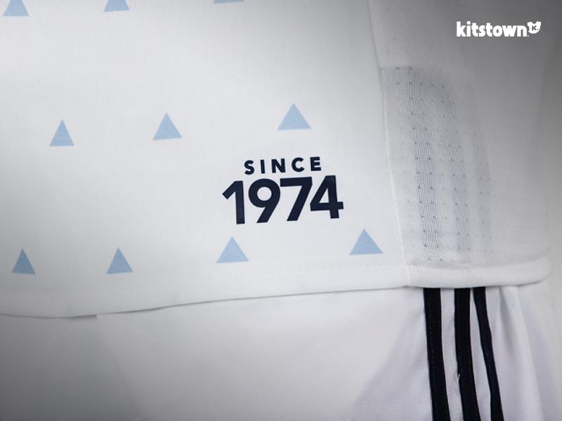 温哥华白浪2017赛季主场球衣 © kitstown.com 球衫堂