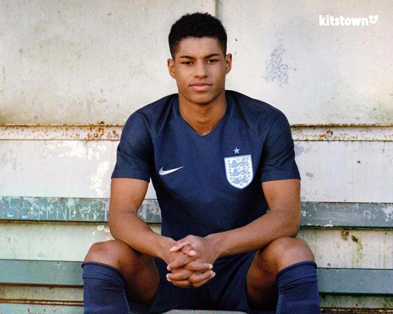 英格兰国家队2017赛季客场球衣 © kitstown.com 球衫堂