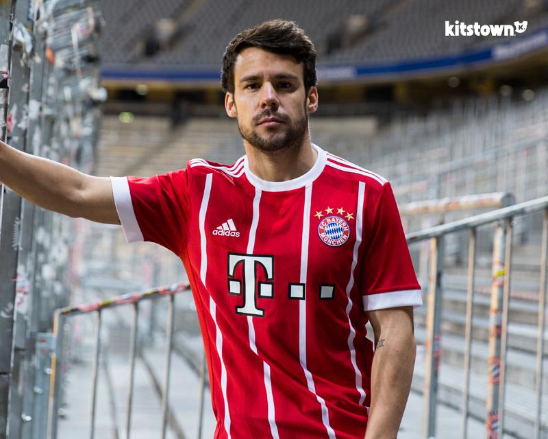 拜仁慕尼黑2017-18赛季主场球衣 © kitstown.com 球衫堂