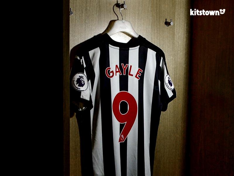 纽卡斯尔联2017-18赛季主场球衣 © kitstown.com 球衫堂
