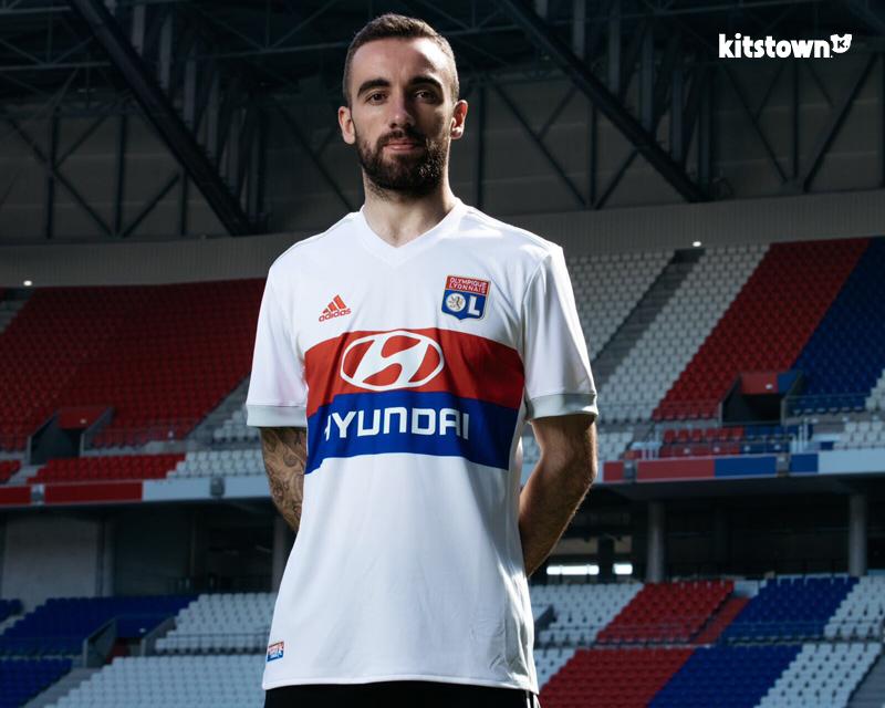 里昂2017-18赛季主客场球衣 © kitstown.com 球衫堂