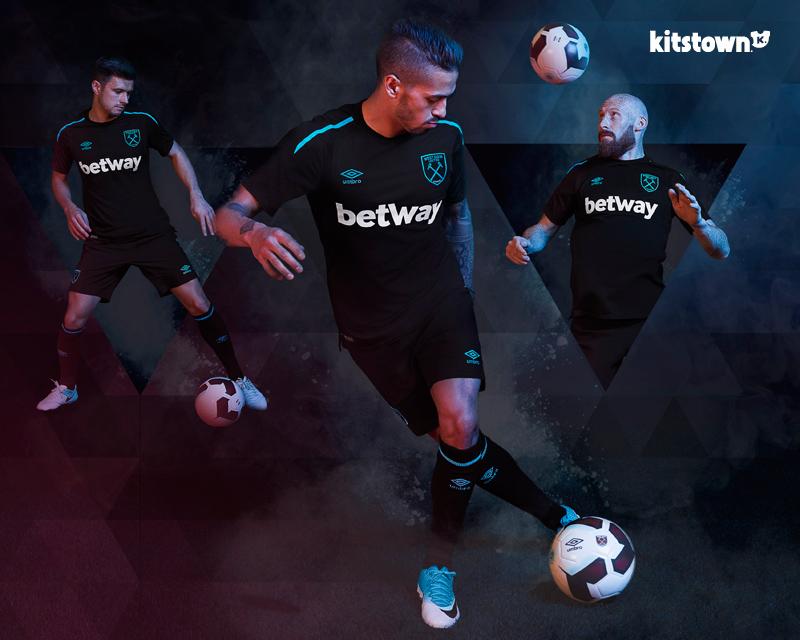 西汉姆联2017-18赛季客场球衣 © kitstown.com 球衫堂