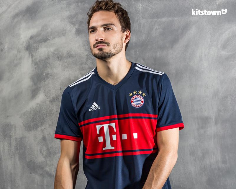 拜仁慕尼黑2017-18赛季客场球衣 © kitstown.com 球衫堂