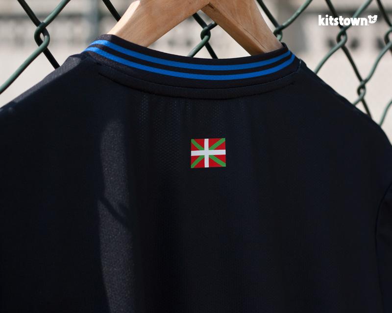 阿拉维斯2017-18赛季主客场球衣 © kitstown.com 球衫堂