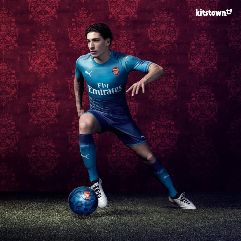 阿森纳2017-18赛季客场球衣 © kitstown.com 球衫堂